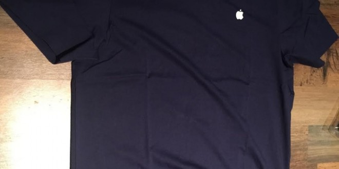 image-Apple-Store-employee-Watch-shirt